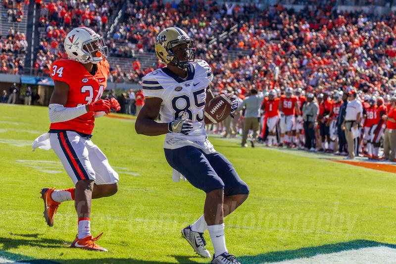 NCAA Football:  Pitt Panthers at Virginia Cavaliers